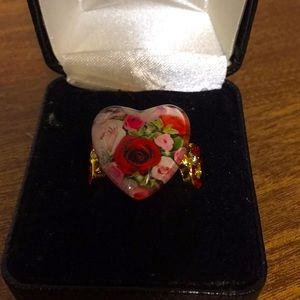 Fashion ring size 7 NEW floral heart red pink gold